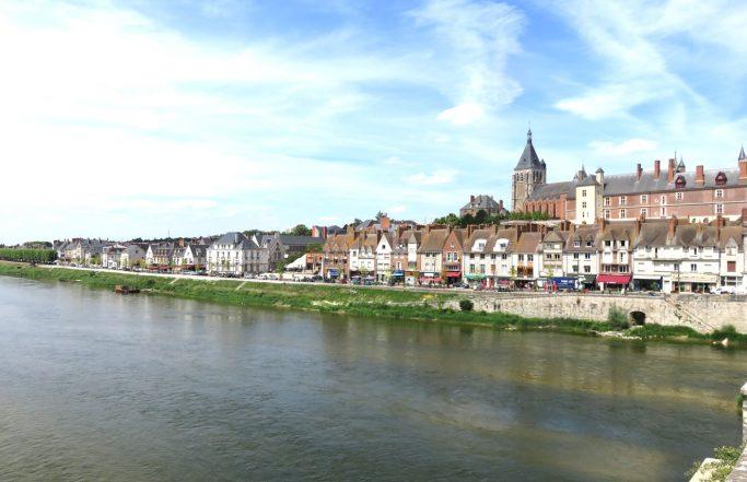 The Loire Plazas