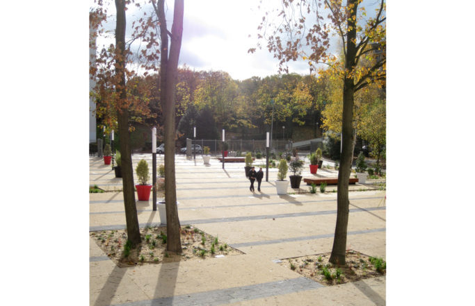 Parvis forestier